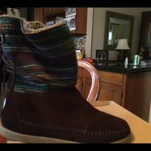 Toms Nepal striped Boots-NEW